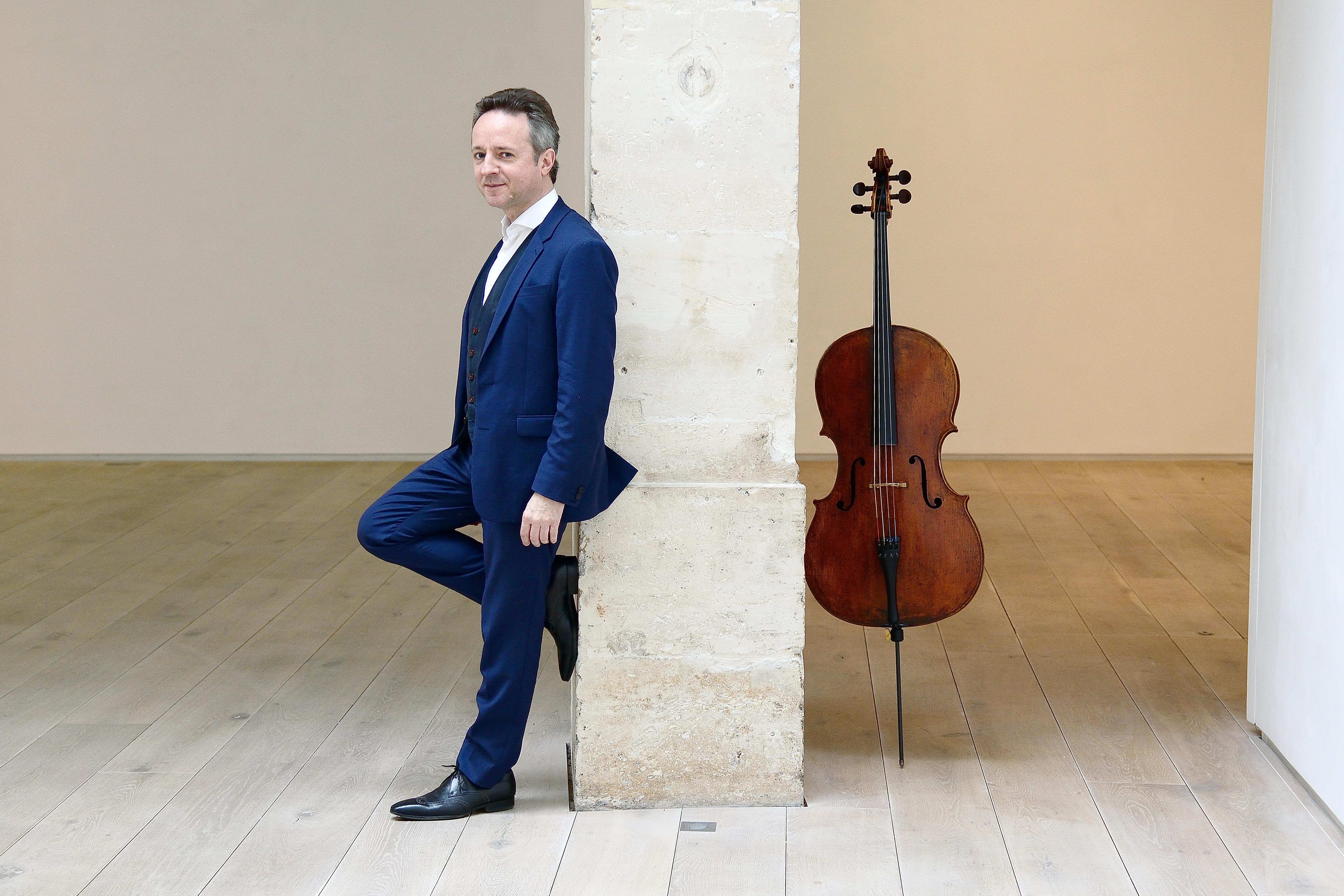 Marc Coppey returns to the Deutsche Kammerakademie